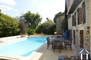 Maison, grange et piscine sur 9.144 m²